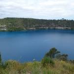 Das ist der Blue Lake, der als unendliche Trinkwasserquelle Mount Gambiers gilt.
