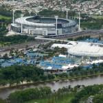 Ein Stadion neben dem anderen. Tennis, Football, Soccer, Rugby, Cricket etc. Die Aussis sind echt Sportverrückt.