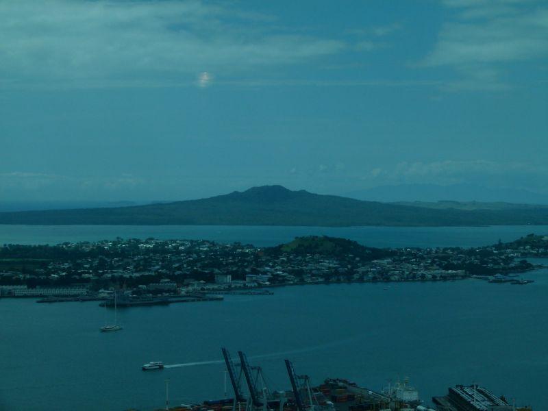 Die Aussicht auf einen der 50 Vulkane, die um die Aukland herum liegen.