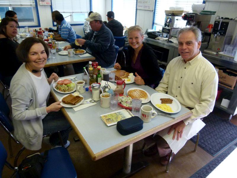 Die Marshalls mit uns beim Frühstück