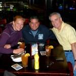 Drei Cops an einem Tisch (Nicole, Steve und Paul)